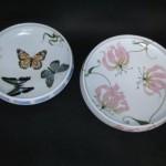 釉描色絵 蝶之図 鉢、釉描色絵 グロリオサ図 鉢